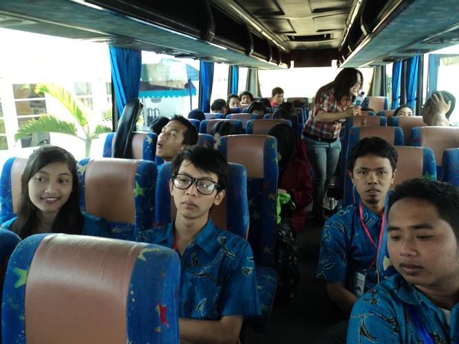 sastra dan masyarakat Antara karya sastra dan masyarakat pembaca arif hidayat ) ) penulis adalah  penyair, mahasiswa prodi pendidikan bahasa dan sastra indonesia di.